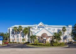 Baymont Inn & Suites Fort Myers Airport - Fort Myers - Edificio