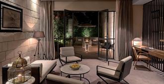 Hotel Sahrai - פז - סלון