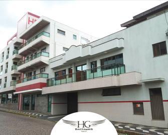 Hotel Girardelli - Araras - Edificio