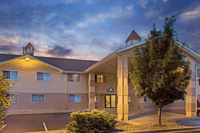 Days Inn by Wyndham Colorado Springs Airport - Colorado Springs - Building