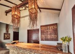 Cocotinos Lembeh a Boutique Dive Lodge - Bitung - Recepción