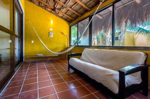 Holbox Dream Beach Front Hotel by Xperience Hotels - Holbox - Living room