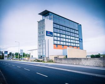 Travelodge Limerick Castletroy - Limerick - Building