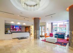 Yve Hotel Miami - Miami - Receptionist