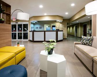 Microtel Inn & Suites By Wyndham Pecos - Pecos - Лоббі