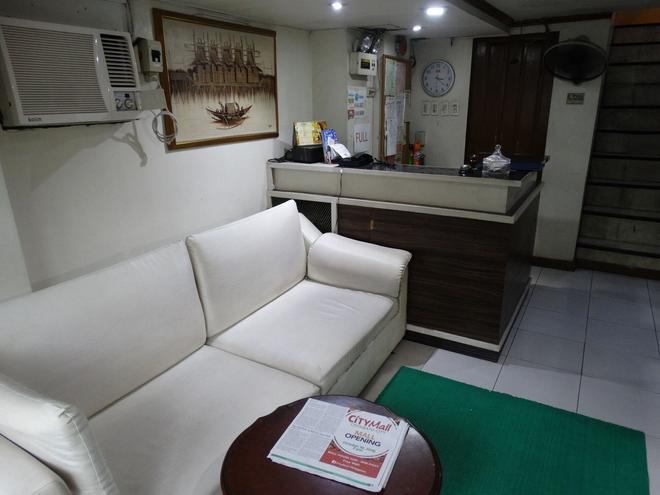 Gaius Pension Inn - Manila - Vastaanotto