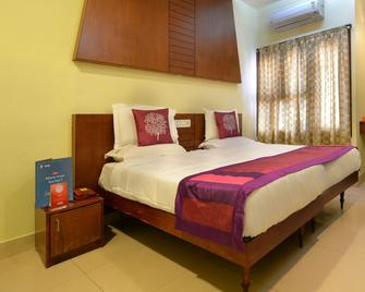 Oyo 3420 Hotel Ashoka - Warangal - Bedroom