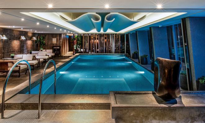 Shangri La Hotel At The Shard London - Londres - Piscina