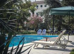 Villa Carrer - Porto Viro - Pool