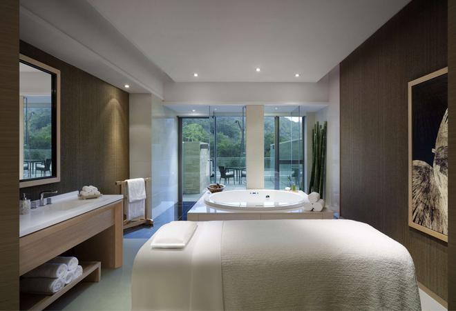 Hyatt Regency Hong Kong Sha Tin - Hong Kong - Bathroom