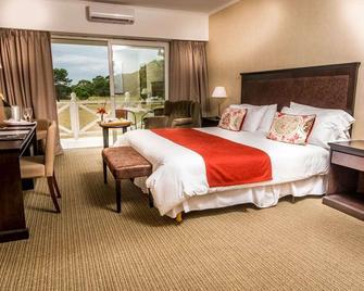 Howard Johnson Hotel & Convention Center Madariaga - Carilo - Cariló - Bedroom