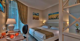 Hotel Excelsior Le Terrazze - Garda - Phòng ngủ