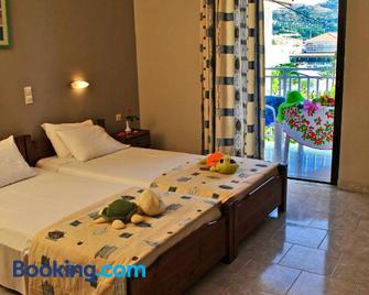 Dennis Apartments - Kalamaki - Bedroom