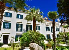 Villa Giardino Heritage Boutique Hotel Bol - Bol - Bangunan