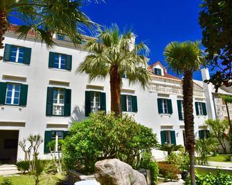 Villa Giardino Heritage Boutique Hotel Bol - Bol - Building