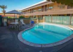 Townhouse Inn And Suites - Brawley - Pool