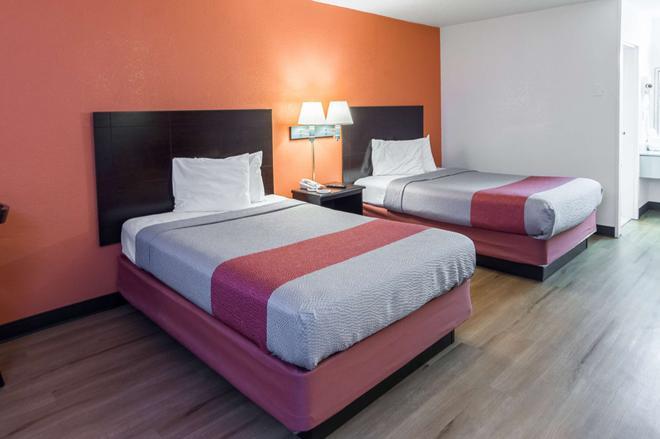 Motel 6 Groton Ct - Groton - Makuuhuone