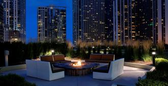Radisson Blu Aqua Hotel, Chicago, IL - Chicago - Patio
