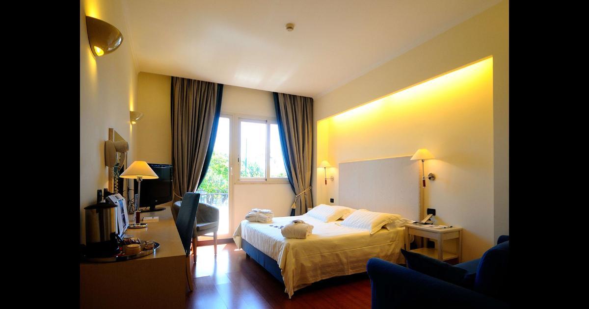 Best Western Globus Hotel 80 1 5 3 Rome Hotel Deals Reviews Kayak