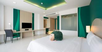 Sleep With Me Hotel Design Hotel @ Patong - Patong - Bedroom