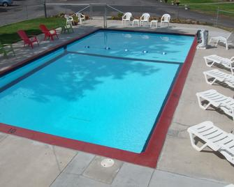 Cascade Lodge - Bend - Pool