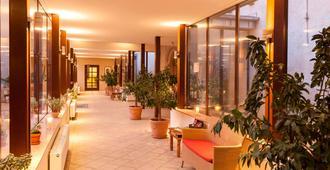 Wyndham Garden Quedlinburg Stadtschloss - Quedlinburg - Recepción
