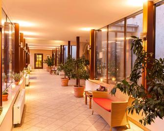 Wyndham Garden Quedlinburg Stadtschloss - Quedlinburg - Lobby