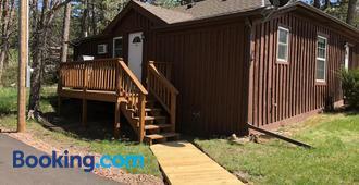 Rockerville Lodge & Cabins - Keystone - Κτίριο