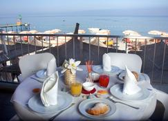 Aragosta Hotel & Restaurant - Durrës - Balkon