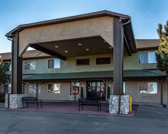 Quality Inn and Suites West - Pueblo West - Edificio