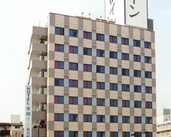 Toyoko Inn Fukushima-Eki Nishi-Guchi - Fukushima - Building