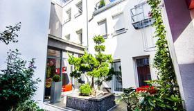 Zeitwohnhaus Suite-Hotel & Serviced Apartments - Erlangen - Building