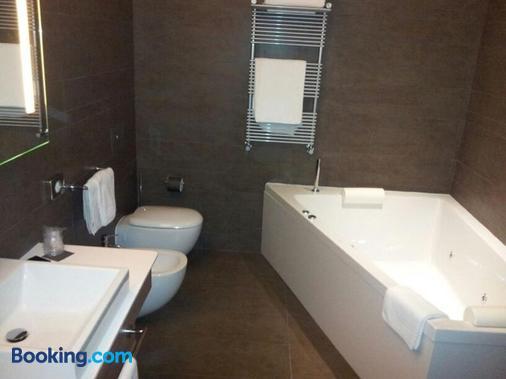 Eolian Milazzo Hotel - Milazzo - Phòng tắm