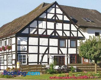 Landgasthaus Hoffmeister - Hehlen - Gebouw