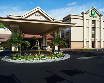 Holiday Inn Buena Park-Near Knott's - Буена-Парк - Building