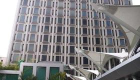 Peninsula Excelsior Hotel - Singapore - Building