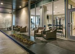 Staybridge Suites Des Moines Downtown - Де-Мойн - Лобби