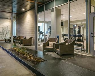Staybridge Suites Des Moines Downtown - Des Moines - Lobby
