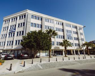 Ozalp Han Hotel - Ortaca - Edificio