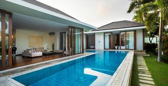 C151 Smart Villas At Seminyak - Kuta - Piscina