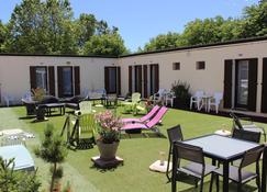 Hôtel Le Connetable - Saint-Bonnet-en-Champsaur - Bedroom