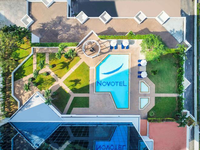 Novotel Bangkok Bangna - Bangkok - Building