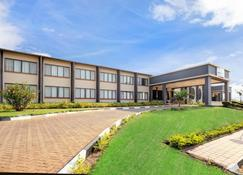 Protea Hotel by Marriott Chipata - Chipata - Building