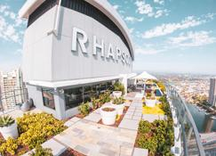 Rhapsody Resort - Surfers Paradise - Building