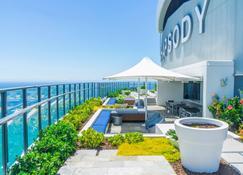 Rhapsody Resort - Surfers Paradise - Patio