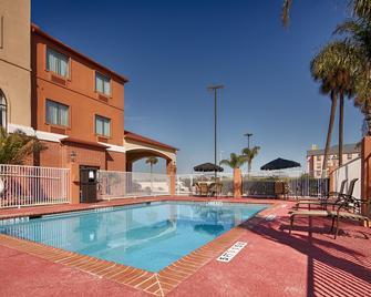 Best Western Orange Inn & Suites - Orange - Bazén