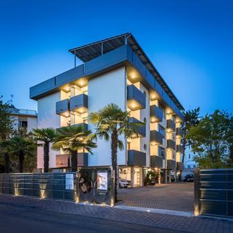 Costa Rica Bibione Aparthotel - Bibione - Κτίριο