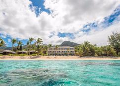 Moana Sands Beachfront Hotel - Rarotonga - Beach