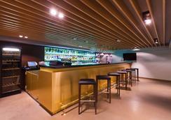 Azimut Hotel Ufa - Ufa - Bar