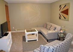A Perfect Place In Grand Forks - Grand Forks - Sala de estar